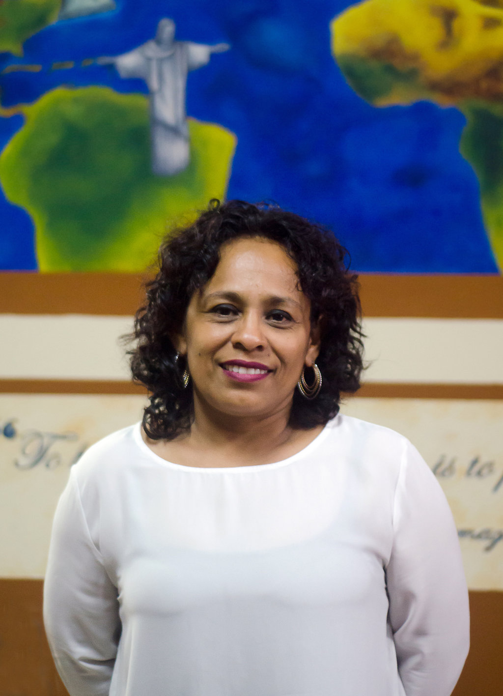 DR. GLORIA ULLOA - Director
